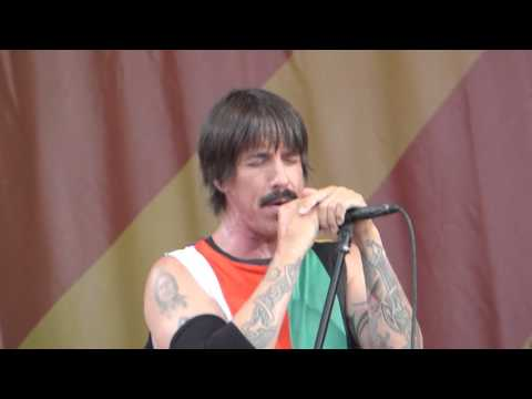 Red Hot Chili Peppers - Scar Tissue (Jazz Fest 04.24.16) HD