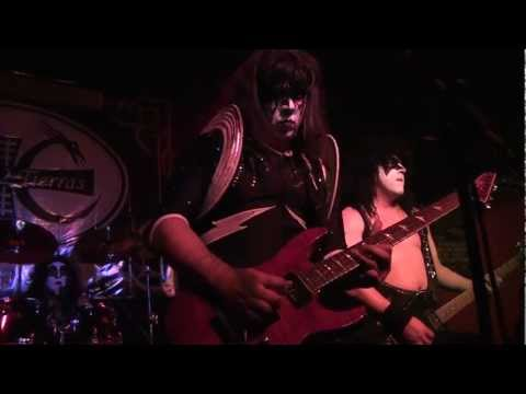 Into the Night [Ace Frehley Cover] Banda REVENGE en Bar Oxido 18/08/2012