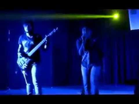 Hysterix- Beche Thakar Gaan(live At Derozio Hall, Presidency University) video