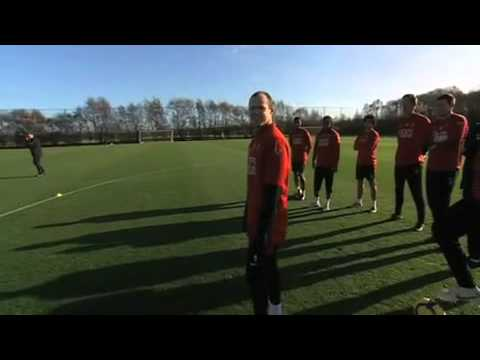 Man United Crossbar Challenge: Rooney, Fletcher, Giggs & Neville