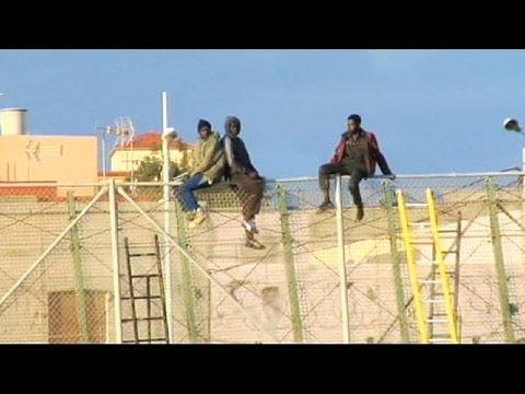 600 مهاجر حاولوا تسلق الحدود من المغرب إلى المستعمرة الإسبانية مليلة