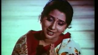 ''Tu Sukhkarta Siddhivinayak'' (Full Song) – Ashok Saraf, Nivedita Joshi Saraf