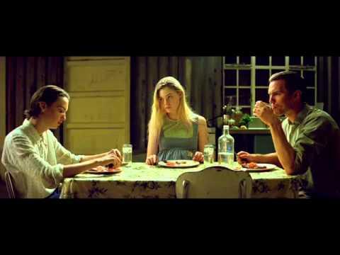 Young Ones - 2014 - Nicholas Hoult, Kodi Smit-McPhee, Elle Fanning - Dinner Scene