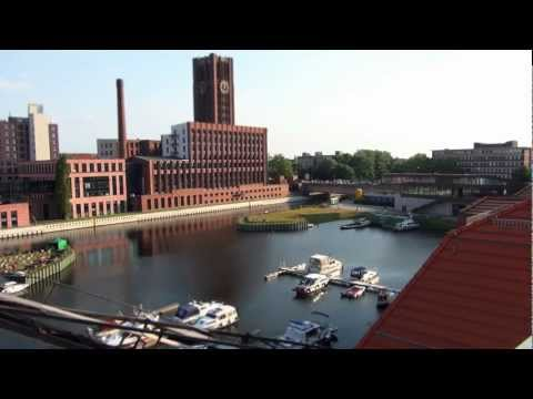 First Tilt-Shift Timelaps Video experiment. Musik (Intro) Kevin MacLeod; US-UAN-11-00708; Finding the Balance www.incompetech.com creativecommons.org