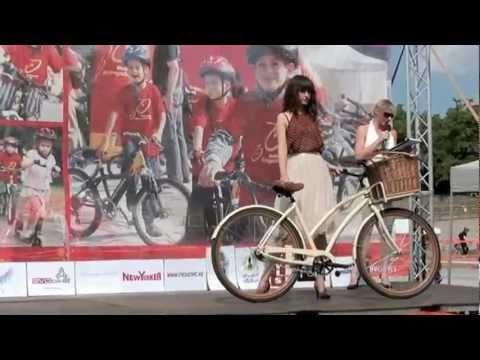 Bringamánia nap 2011 - biciklis divatbemutató