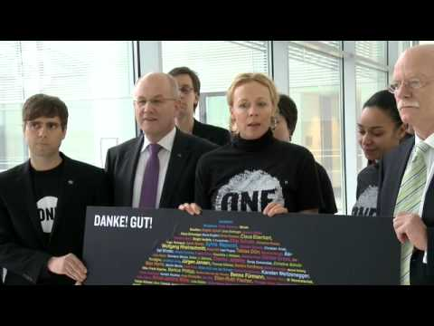 Katja Riemann und ONE im Bundestag Video