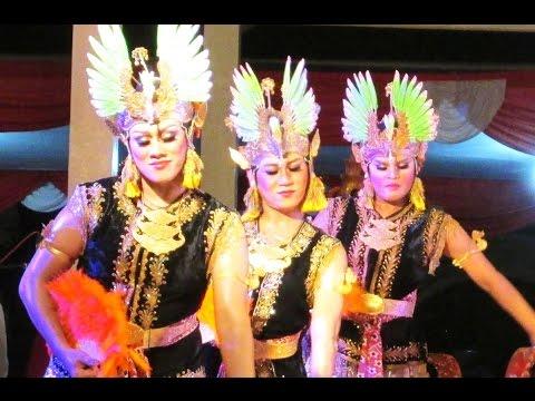 Tari Golek Lambangsari - Cross Gender - Javanese Classical Dance [hd] video