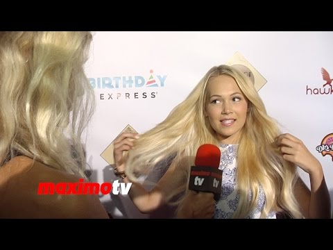 Kelli Berglund Interview | Madison Pettis Sweet 16 Party! | Red Carpet