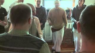2011.04.27. Guru Puja Kirtan, HG Sankarshan Das Adhikari - Kaunas, LITHUANIA