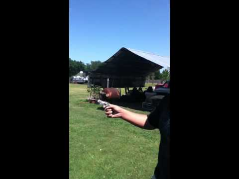 shooting NAA 22 magnum mini revolver