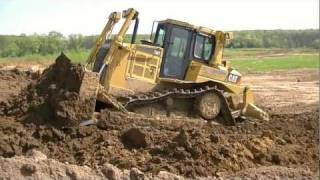 Cat D6T and Volvo A30E