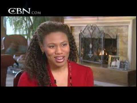 Priscilla Shirer: Finding Balance in Motherhood - CBN.com