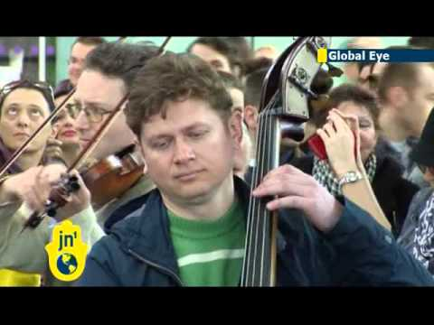 Ukrainian orchestra plays EU anthem at Kiev airport: musicians perform Beethoven's 'Ode to Joy'