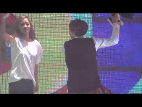 [HD Fancam] 141122 SS6 in Beijing - Hello [ HyukHae  focus]