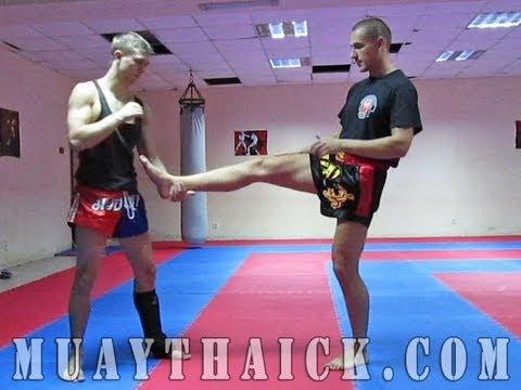 Тайский бокс для начинающих - Освобождение от захвата ноги