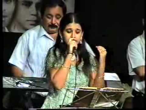 ye zindagi usi ki hai..an artist from bombay sings Anaarkali...