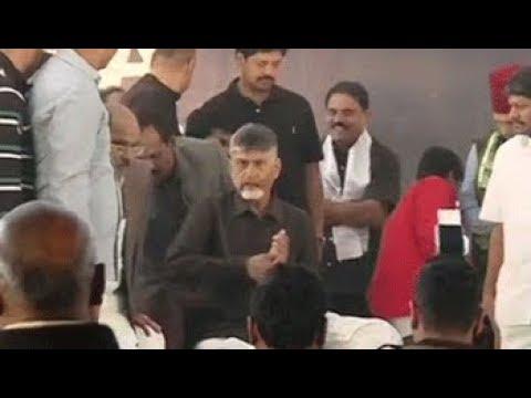 5W1H: Chandrababu Naidu on day-long fast demanding special status for Andhra Pradesh