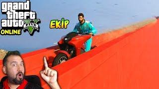DÜNYANIN EN UZUN DUVARINDA MOTOR YARIŞI! | EKİPLE GTA 5 ONLINE