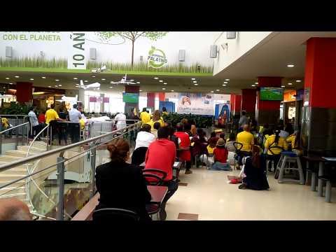 Colombia 1 - 0 Japón