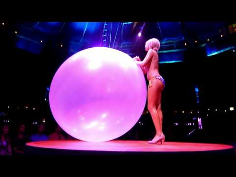 Absinthe Bouncing Balloon - Burlesque Exotic Dancer In Hd video