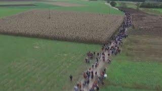 Drohnenaufnahmen Zeigen Flüchtlingsstrom In Slowenien: Mehr Als 12.600 Kamen Binnen 24 Stunden