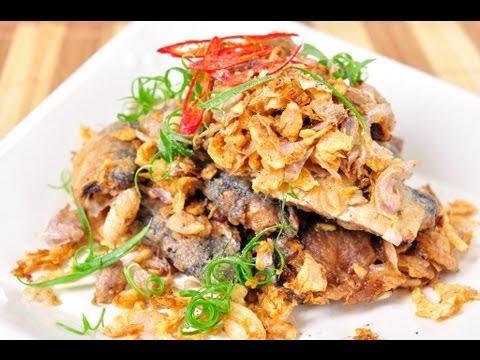 ปลากระป๋องทอดกระเทียมพริกไทย