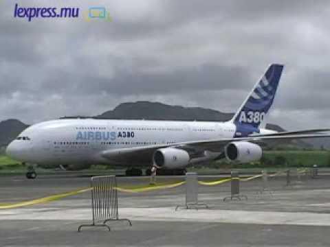 L'airbus A380 s'est posé pour la première fois sur le tarmac de l'aéroport Sir Seewoosagur Ramgoolam. (vidéo : Sunita Beezadhur)