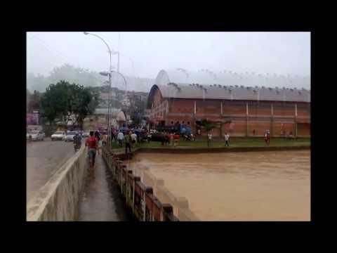 Enchente em Nova Venécia - Es    19-12- 2013 pela manhã