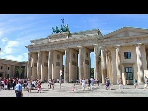 Moody's Almanya'nın kulağını çekti