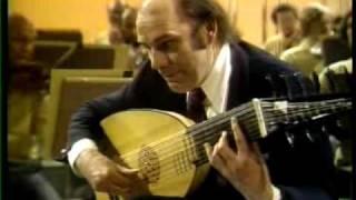 JULIAN BREAM PLAYS VIVALDI'S LUTE CONCERTO IN D