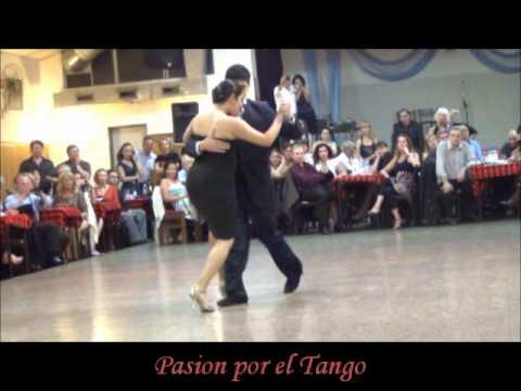 Maria Ines Bogado y Sebastian Jimenez bailando la TUPUNGATINA en LA BALDOSA