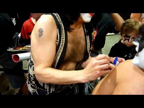 Paul Stanley signing my arm!!!!!!!