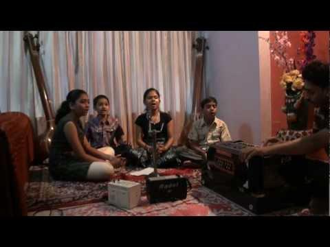Aayushi Mishra and team sings Swagatam shubh swagatam geet