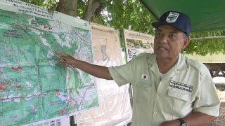 カンボジアで地雷除去する高木茂さん