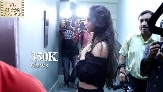 SHOCKING VIDEO | Photographers Harass & Misbehave With SRK's Daughter Suhana Khan | Six Sigma Films