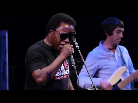 Lee Fields - Still Hanging On (Live on KEXP)