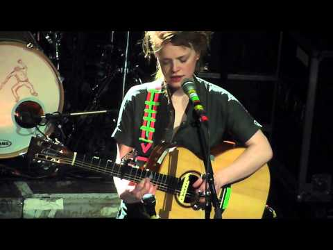 Wallis Bird  - River Of Paper - Knust Hamburg 2013