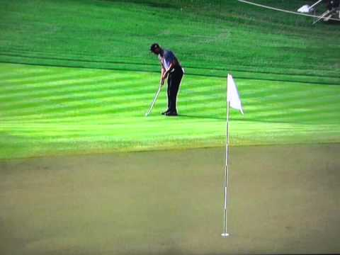 Tiger Woods - Short Pitch from a Tight Lie (2014)