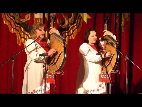 В Севастополе дуэт бандуристок исполнил песню на украинском языке