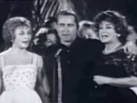 I'm Dreaming of a White Christmas sung by Dorothy Collins and Perry Como