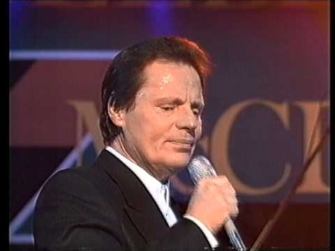 Delbert Mcclinton - Take me to The River