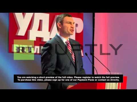 Ukraine: Klitschko pledges support to billionaire confectioner Poroshenko