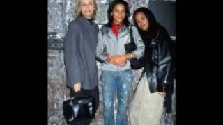 Watch Aaliyah Best Friends video