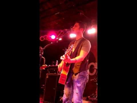 Boyce Avenue- Change Your Mind (Live at Bottom...