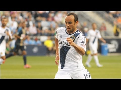 GOAL: Landon Donovan eases one in the net