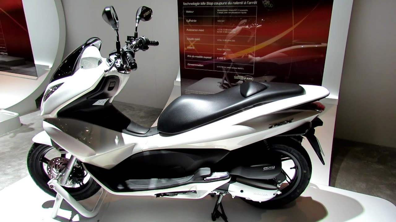 2013 honda pcx125 scooter 2012 paris auto show 2012 mondial de l 39 automobile youtube. Black Bedroom Furniture Sets. Home Design Ideas