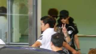 [Fancam] 130817 - Infinite arrive Hong Kong Airport 到達香港機場