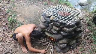 Primitive Technology: Hot Smoked Meat - Food Preservation