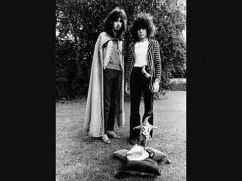 tyrannosaurus rex - the travelling tragition