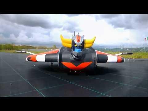 RC UFO ROBOT  GRENDIZER  GOLDRAKE  1°volo GOLDRAKE UFO ROBOT VOLA NEI CIELI DI ROMA